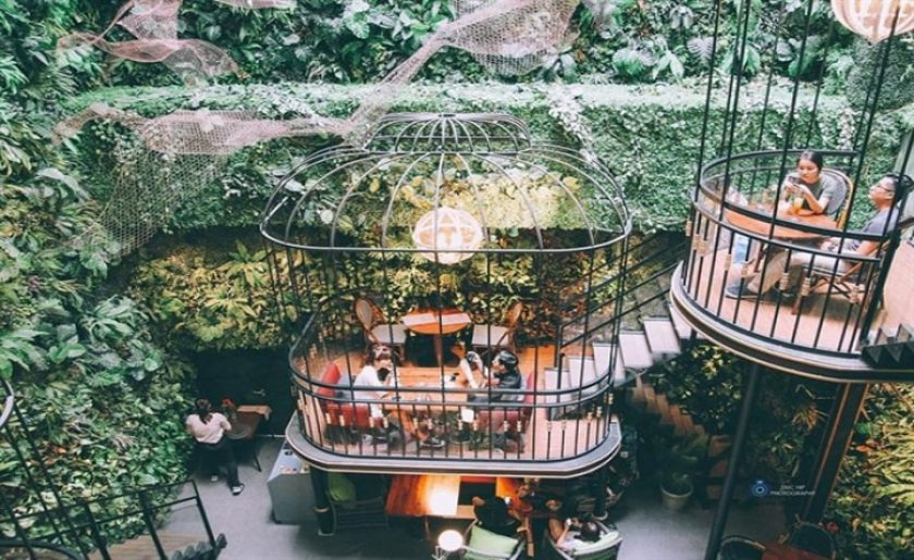 """25 Quán Cafe Đẹp Ở Sài Gòn View Chụp Ảnh """"SỐNG ẢO"""" Cực Chất"""